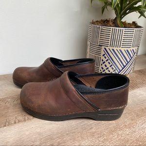 DANSKO Professional Brown Oiled Clogs, size 41
